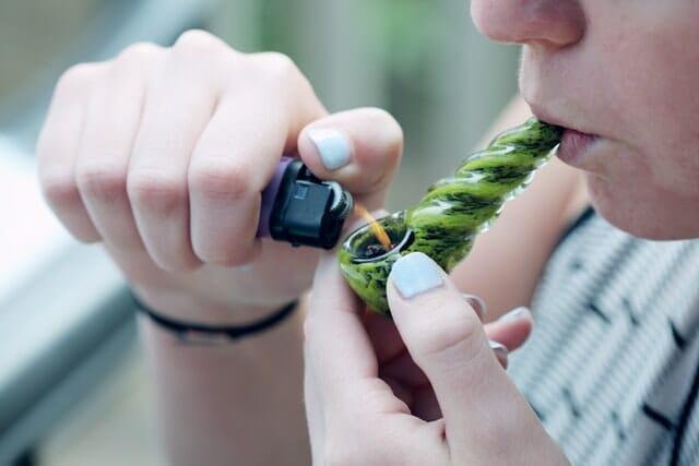 woman smoking cannabis nevada cannabis tourism guise
